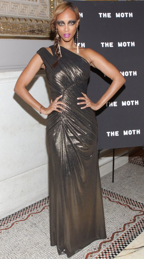 tyra-banks-dress-moth-gala