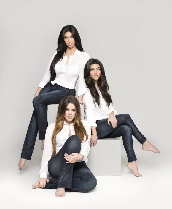 Kim-Khloe-Kourtney-Kardashian-Denim-Kollection-0-580x707