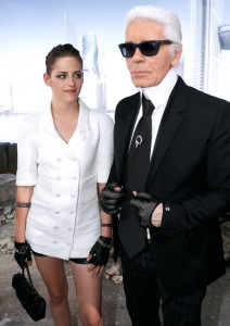 Kristen-Stewart-Channels-Karl-Lagerfeld-At-The-Chanel-Couture-Show-3_0