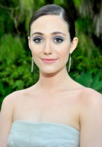 3325-emmy-rossum-attends-the-launch-of-0x375-1